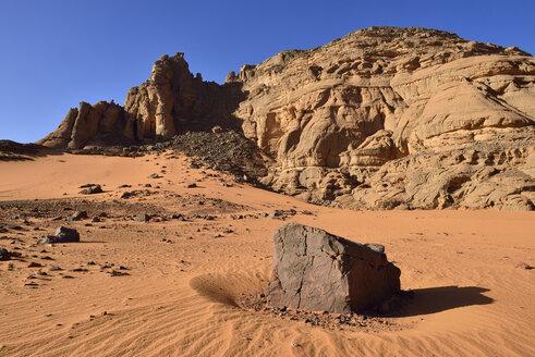 Algeria, Sahara, Tassili N'Ajjer National Park, Rock formations at Tiseteka - ES000903