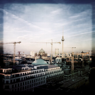 Cranes above the center of Berlin, construction site of the new City Palace. Germany, Berlin - ZMF000046