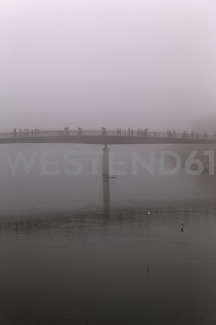 Austria, Salzburg State, Salzburg, Marktsteg in fog - GF000348 - Günter Flegar/Westend61