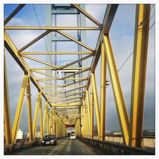 Kattwyck bridge, lifting bridge in the harbor of Hamburg, Germany, Hamburg - SEF000332