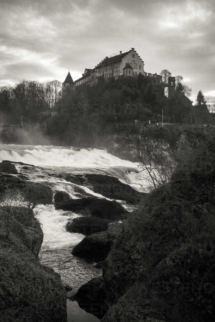 Switzerland, Canton of Schaffhausen, Schaffhausen, Laufen Castle at Rhine falls - EL000779 - Markus Keller/Westend61