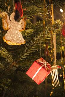 Christmas tree decoration, close up - HAF000246