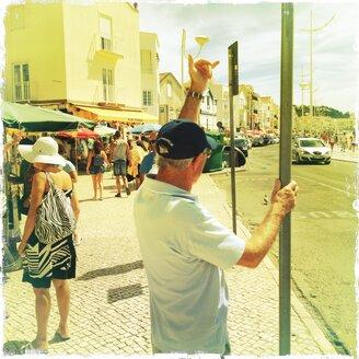 Portugal, Beach, Nazaré, tourists - BM000768