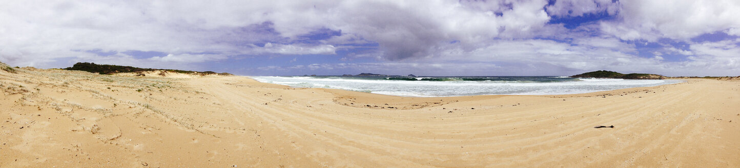 Australie, Hawks Nest, Tasman Sea and beach, panoramic - FBF000095