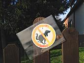 Warning sign, no dog toilet, dog poop, problem, neighborhood, dog poop, NRW, Germany - ONF000327