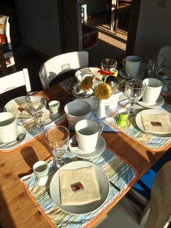 Breakfast table - JED000069