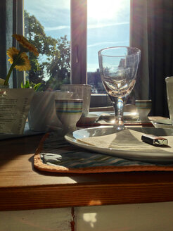 Breakfast table in backlight - JEDF000044