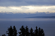 Germany, Lake Constance, Alps in the background, in the evening - JTF000510