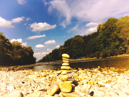 Near Munich. Isarauen, view from the shore, tower with stacked pebbles - SRSF000427