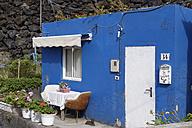 Spain, Canary Islands, La Palma, La Bombilla near Puerto Naos, Blue house - SIEF004968
