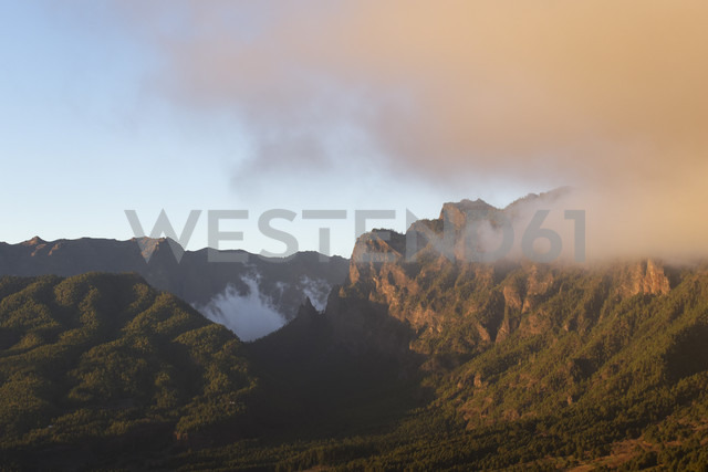 Spain, Canary Islands, La Palma, Caldera de Taburiente in the evening - SIEF004938 - Martin Siepmann/Westend61