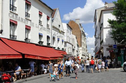 France, Paris, 18th arrondissement, Montmartre, view to Rue du Mont Cenis - LB000490