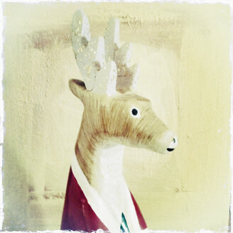 Wooden deer Rudolph, closeup, Hamburg, Germany - SE000429
