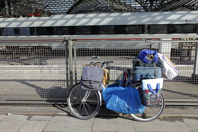 Germany, Cologne, loaded bike of a derelict - WG000203