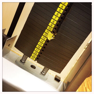 Weights in the gym - DHL000306