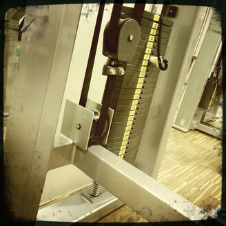 Weights in the gym - DHL000310