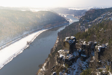 Germany, Saxony, Saxon Switzerland, River Elbe in winter - MJF000729