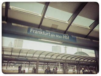 Germany, Frankfurt am Main, Central Station - KRP000117