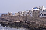 Morocco, Marrakesh-Tensift-El Haouz, Essaouira, view to medina and city wall - THAF000010