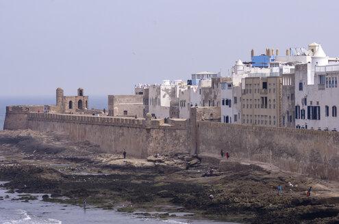 Morocco, Marrakesh-Tensift-El Haouz, Essaouira, view to medina and city wall - THAF000010