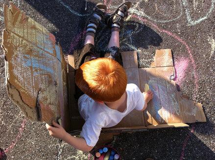 Boy as a street artist, Germany, Baden-Wuerttemberg, Constance - JEDF000104