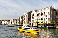 Italy, Venice, Boat on Canale Grande - FO005805