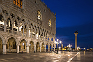 Italy, Venice, St Mark's Square with Doge's Palace at night - FOF005685
