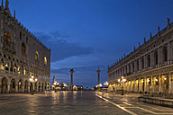 Italy, Venice, St Mark's Square at night - FOF005691