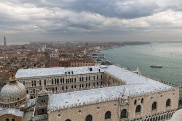 Italy, Venice, View from Campanile to St. Mark's Basilica and Doge's Palace - FOF005950