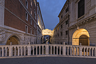 Italy, Venice, Bridge of Sighs - FOF005926