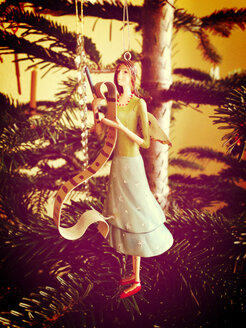 Angels in the Christmas tree - JEDF000123
