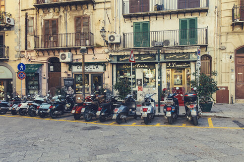 Italy, Sicily, Palermo, Parking motorcycles - MF000812