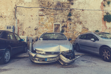Italy, Sicily, Palermo, Destroyed car with German license plate - MF000825