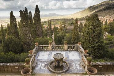 Italy, Tivoli, view to terrace of Villa d´Este - DIS000405
