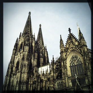 Side view to Cologne Cathedral, Koeln, Germany - ZMF000154