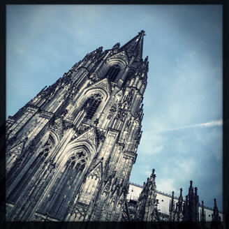 Side view to one of the towers of Cologne Cathedral, Koeln, Germany - ZMF000152