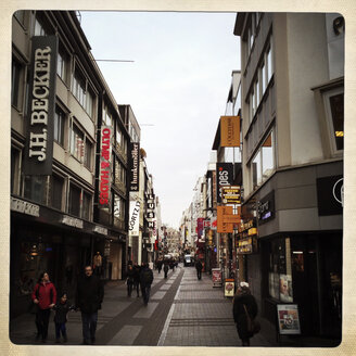 High Street, one of the main shopping streets in the center of Cologne, Germany. - ZM000147