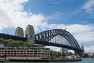 Australia, New South Wales, Sydney, view to Harbour bridge - FB000211