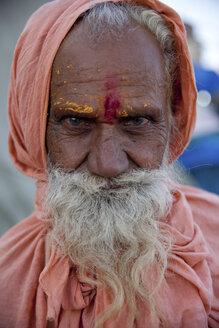 India, Uttar Pradesh, Varanasi, portrait of Sadhu - JBA000060