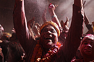 India, Uttar Pradesh, Vrindavan, senior during Holi, spring festival, festival of colours - JBA000043