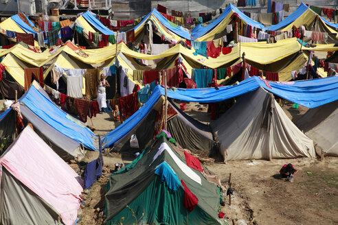 India, Uttar Pradesh, Allahabad, Kumbh Mela pilgrimage, Tent camp - JBA000082