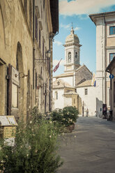 Italy, Tuscany, Church in San Quirico d'Orcia - MJF000842