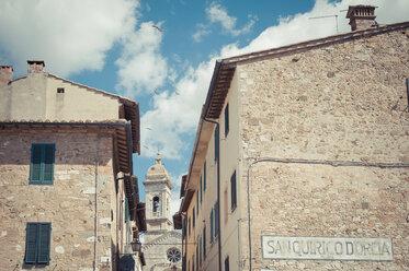 Italy, Tuscany, San Quirico d'Orcia - MJF000845