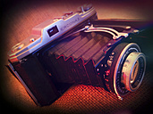 old analogue camera, Zeiss Ikon Ercona II with lens Carl Zeiss Jena Tessar 3,5/105, studio - HOH000420