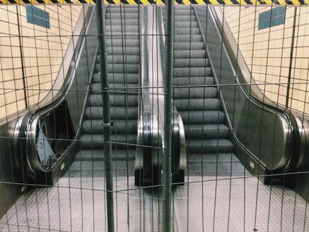 Locked subway stairs, jetties, Hamburg, Germany - SE000553