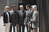 Group of businesspeople discussing - CHAF000056