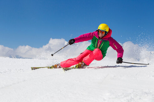 Switzerland, Graubuenden, Obersaxen, female Skier - EG000100