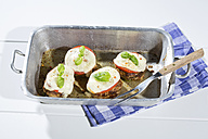 Meatballs with tomato and mozzarella in a roasting dish - MAEF007720