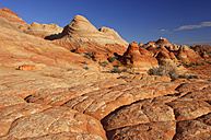 USA, Arizona,  Colorado Plateau, Vermilion Cliffs, Coyote Buttes, sandstone rock formations at Paria Canyon - RUEF001174
