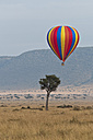 Africa, Kenya, Maasai Mara National Reserve, Hot air balloon - CB000276